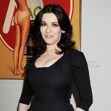 Nigella Lawson body shot