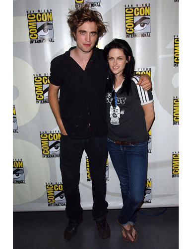 Kristen Stewart and Robert Pattinson at ComicCon 2008