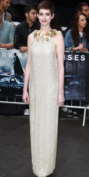 Improve your posture like Anne Hathaway
