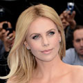 Charlize Theron dazzles in blue Christian Dior Couture