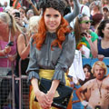 BAG LOVE: Paloma Faith's Lulu Guinness envelope clutch