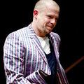 Alexander McQueen commits suicide