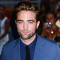 Robert Pattinson looks HOT at the Cosmopolis premiere