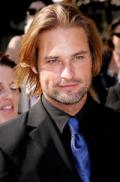 Josh Holloway to become a dad