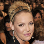 Katherine Heigl: Big weddings create chaos