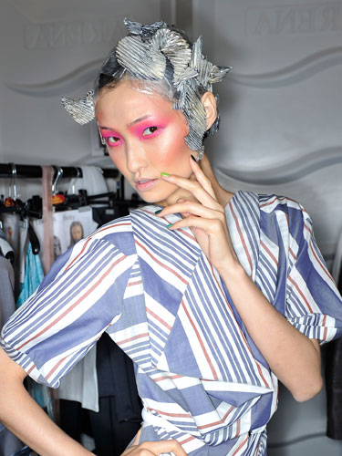 Beauty awards 2011 - Vivienne Westwood backstage