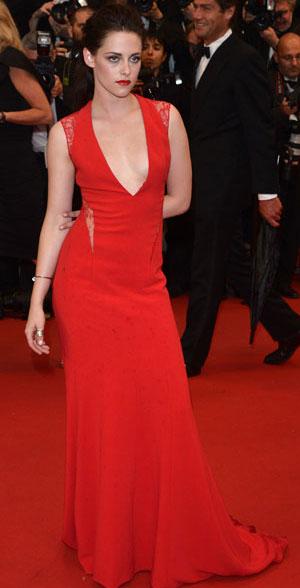 Kristen Stewart boobs story
