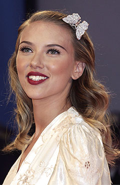 scarlett johansson brown curly hair  Hair Icon - Scarlett Joh...