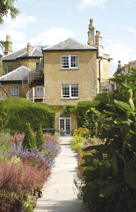 Cotswold House Hotel gardens