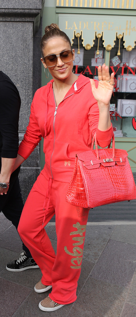 Jennifer Lopez and her red snakeskin Hermes Birkin