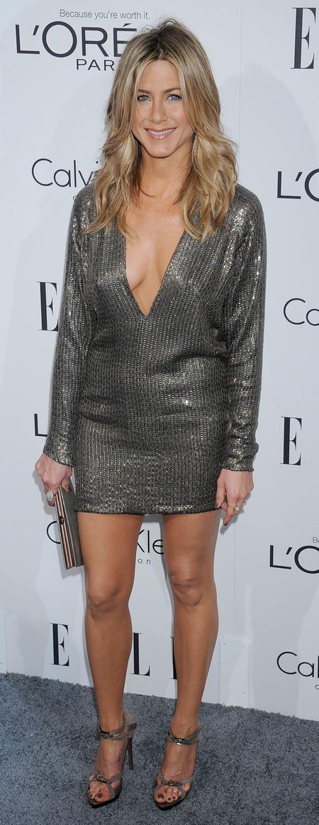 Jennifer Aniston - silver grey dress - red carpet - blonde hair - tousled waves - handbag.com