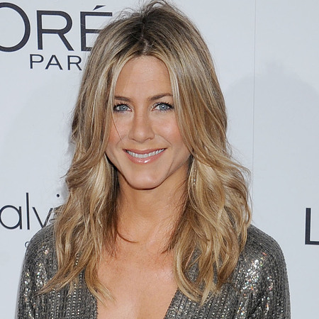 Jennifer Aniston - silver grey dress - red carpet - blonde hair - tousled waves - handbag.com