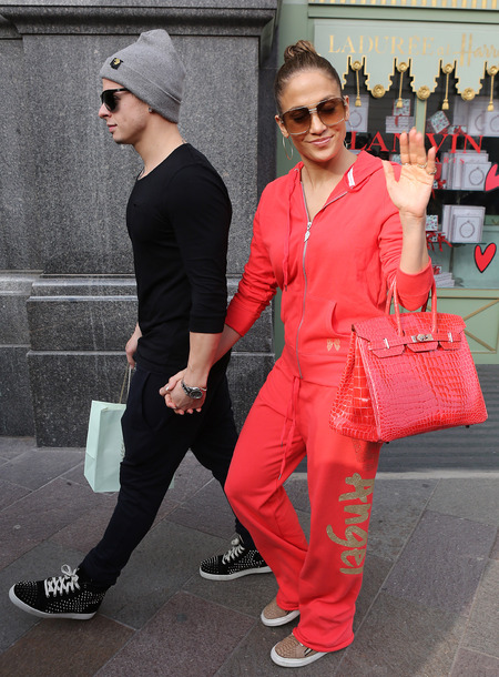 Jennifer Lopez and Casper Smart London