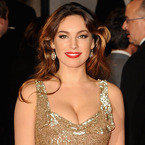 Kelly Brook does red lips and subtle shimmer