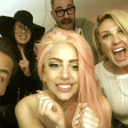 Lady Gaga has new candy pink hair