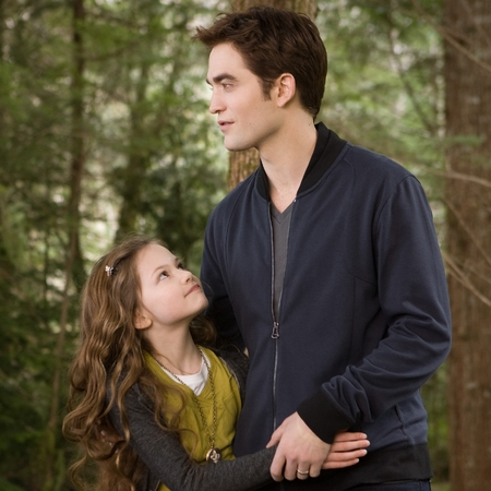 Twilight Breaking Dawn film still - Robert Pattinson and Mackenzie Foy