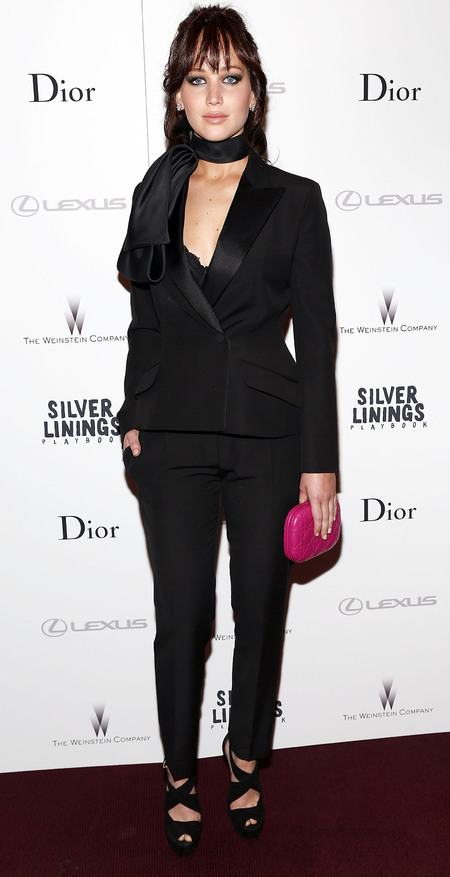 SPOTTED! Jennifer Lawrence's Dior clutch