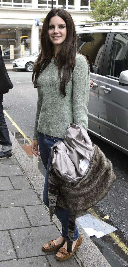 SHOP! Lana Del Rey's H&M jumper