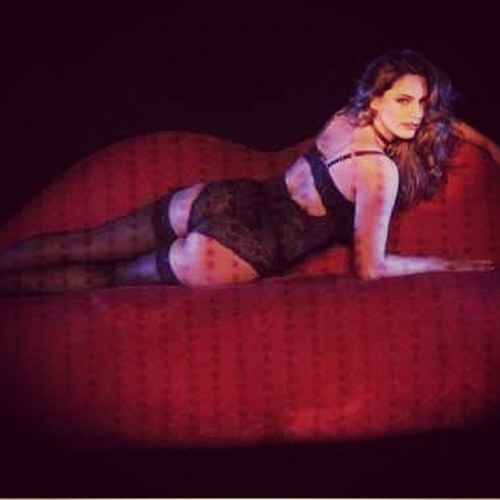 Kelly Brook in Crazy Horse - Forever Crazy