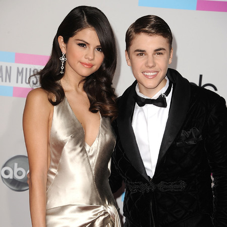 Justin Bieber and Selena Gomez at AMAs 2011