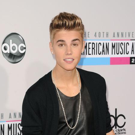 Justin Bieber at 2012 AMAs
