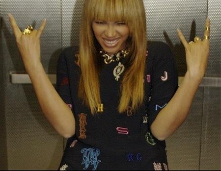 Beyonce rocks out