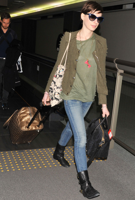 Anne Hathaway at Tokyo airport