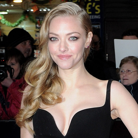 Amanda Seyfried takes the plunge in Balenciaga at Les Misérables premiere