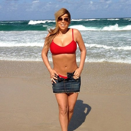 Mariah Carey bikini on a beach