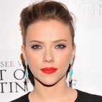 HOW TO: Scarlett Johansson's flawless D&G face