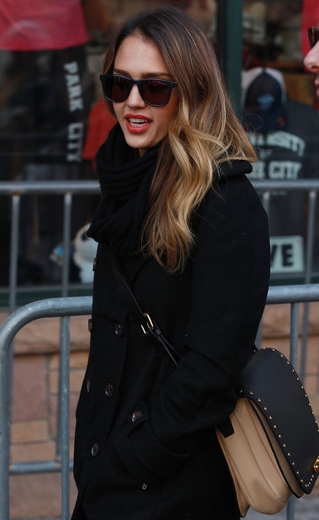 Jessica Alba carries Marni handbag in Utah for Sundance Film Festival