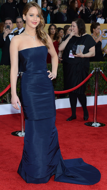 Jennifer Lawrence: Navy Dior dress