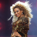 What will Beyonce wear at V Festival?
