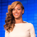HAIR HOW-TO: Beyoncé's side-swept curls