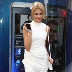 Pixie Lott does head-to-toe white to launch new Blackberry Z10