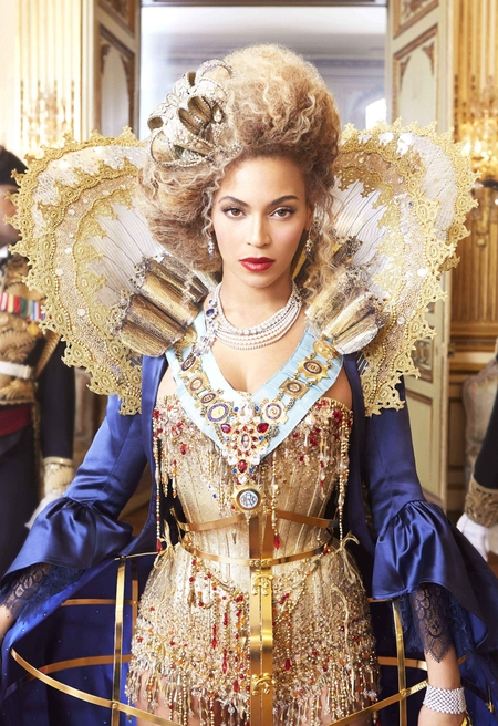 Beyonce - Official The Mrs Carter Show World Tour promotional image