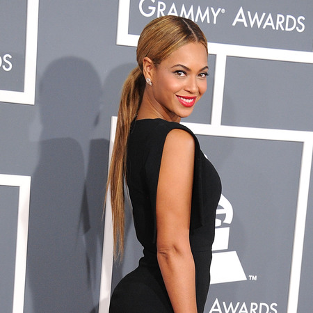 Beyonce's poker straight ponytail