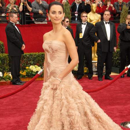 Penelope Cruz Best Oscar dresses