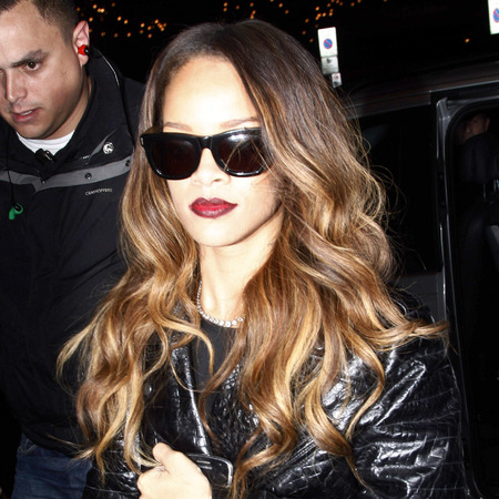Rihanna rocks ombre red lipstick