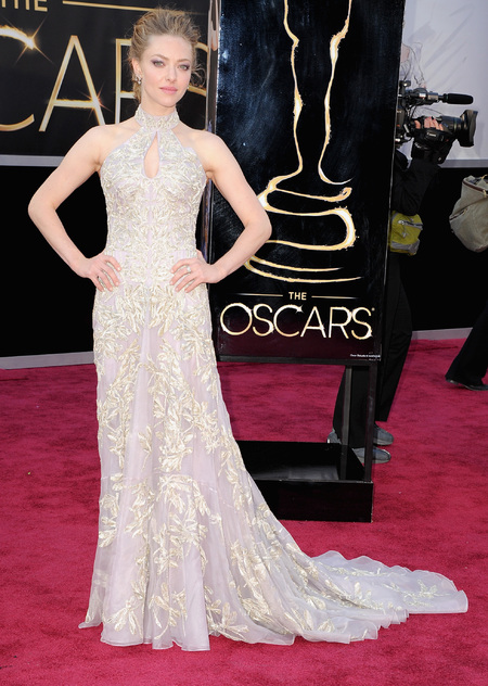 Amanda Seyfried in Alexander McQueen dress