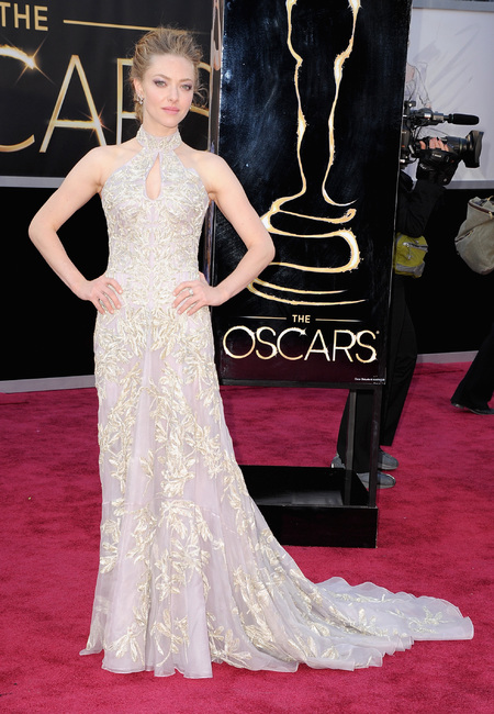 Amanda Seyfried in Alexander McQueen dress at the Oscars 2013