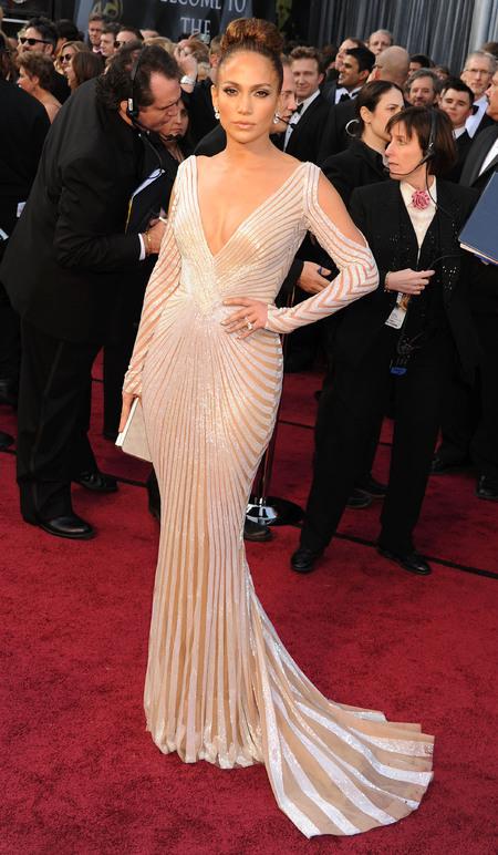 Jennifer Lopez in Zuhair Murad at the Oscars 2012