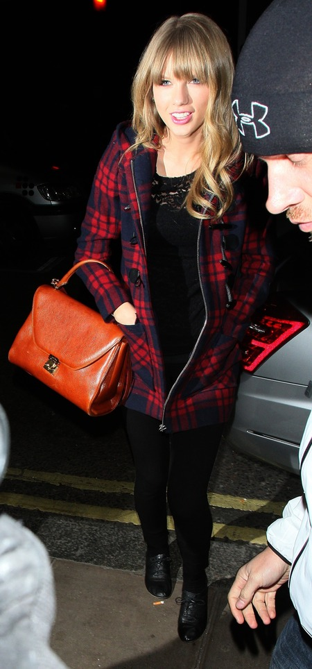 SPOTTED! Taylor Swift's Marc Jacobs handbag in London