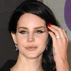 Lana Del Rey does double eyeliner flicks at BRITS