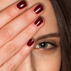 LONDON FASHION WEEK: Burberry champions berry nails for AW13