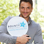 Peter Andre named Celebrity Dad Of The Year 2010