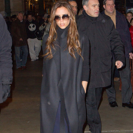 Victoria Beckham arrives in Paris to watch David make French debut