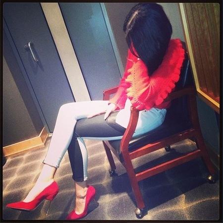 Jessie J behind-the-scenes studio