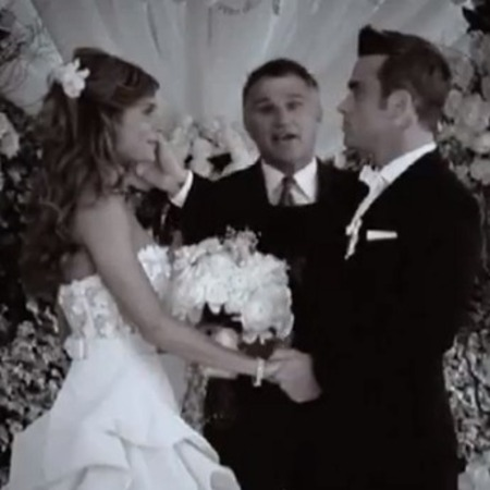 Robbie Williams wedding to Ayda Field video footage for new single