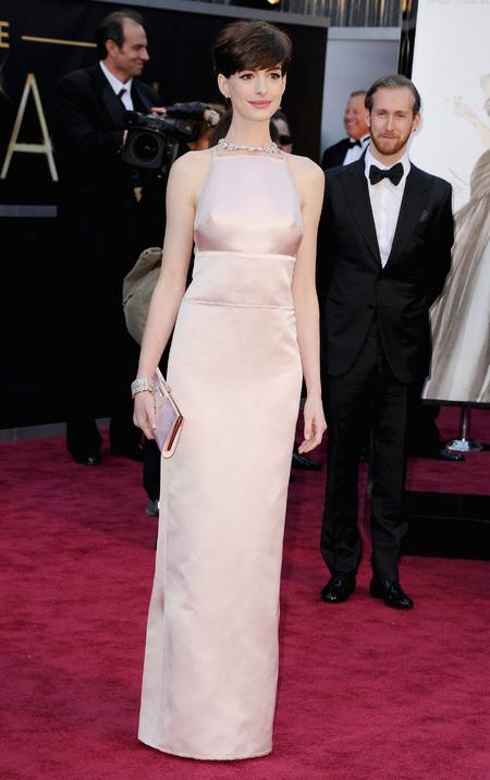 Anne Hathaway in Prada dress drama